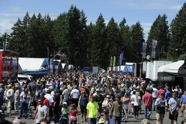 2015-08-04 Spectators